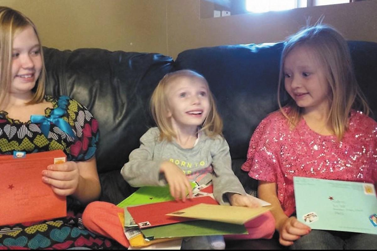 Διαβάστε γιατί αυτό το 6χρονο κορίτσι έλαβε χιλιάδες κάρτες με χριστουγεννιάτικες ευχές