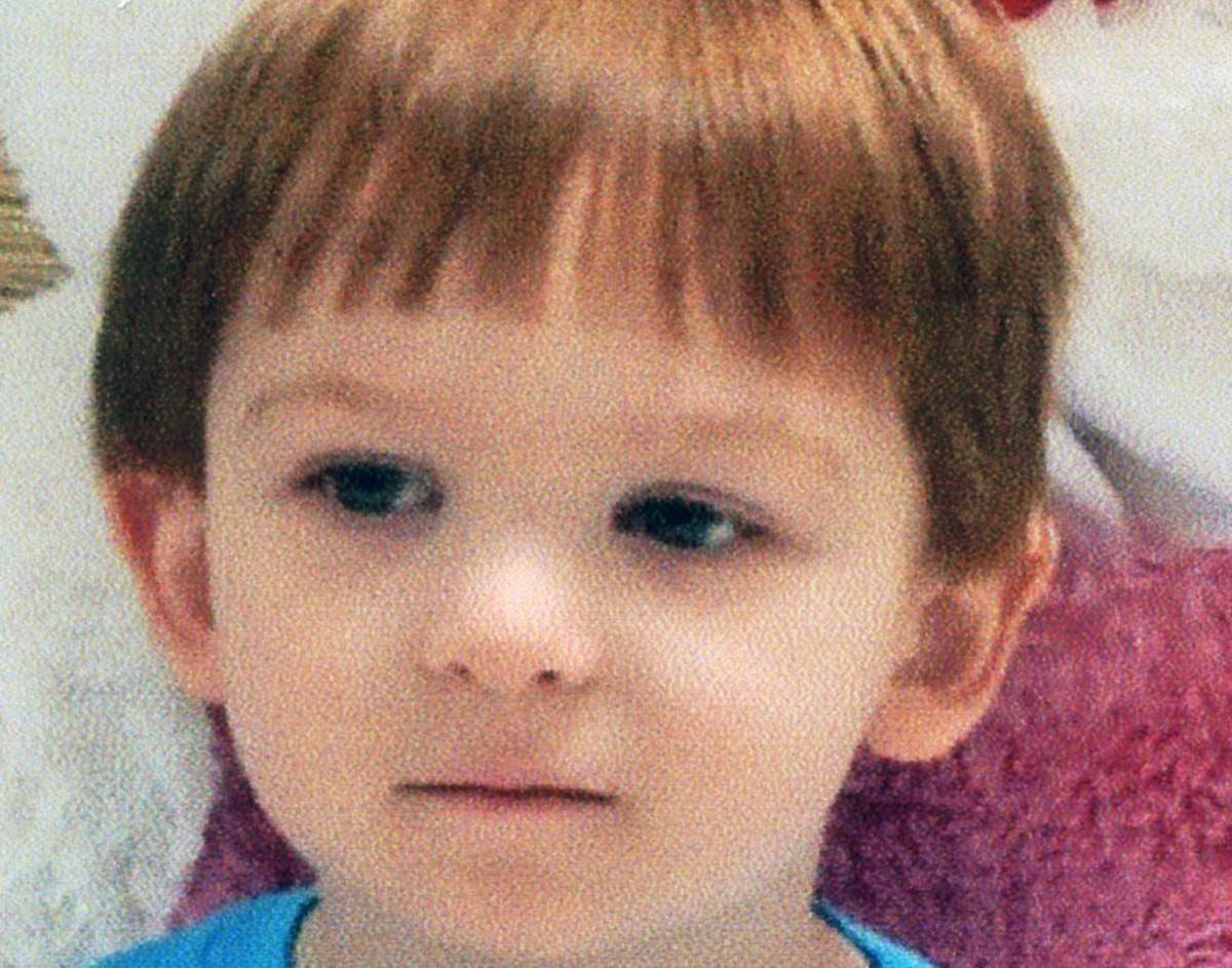 Ξυλοκόπησαν μέχρι θανάτου το 3 ετών παιδί τους επειδή δεν έτρωγε το πρωινό του