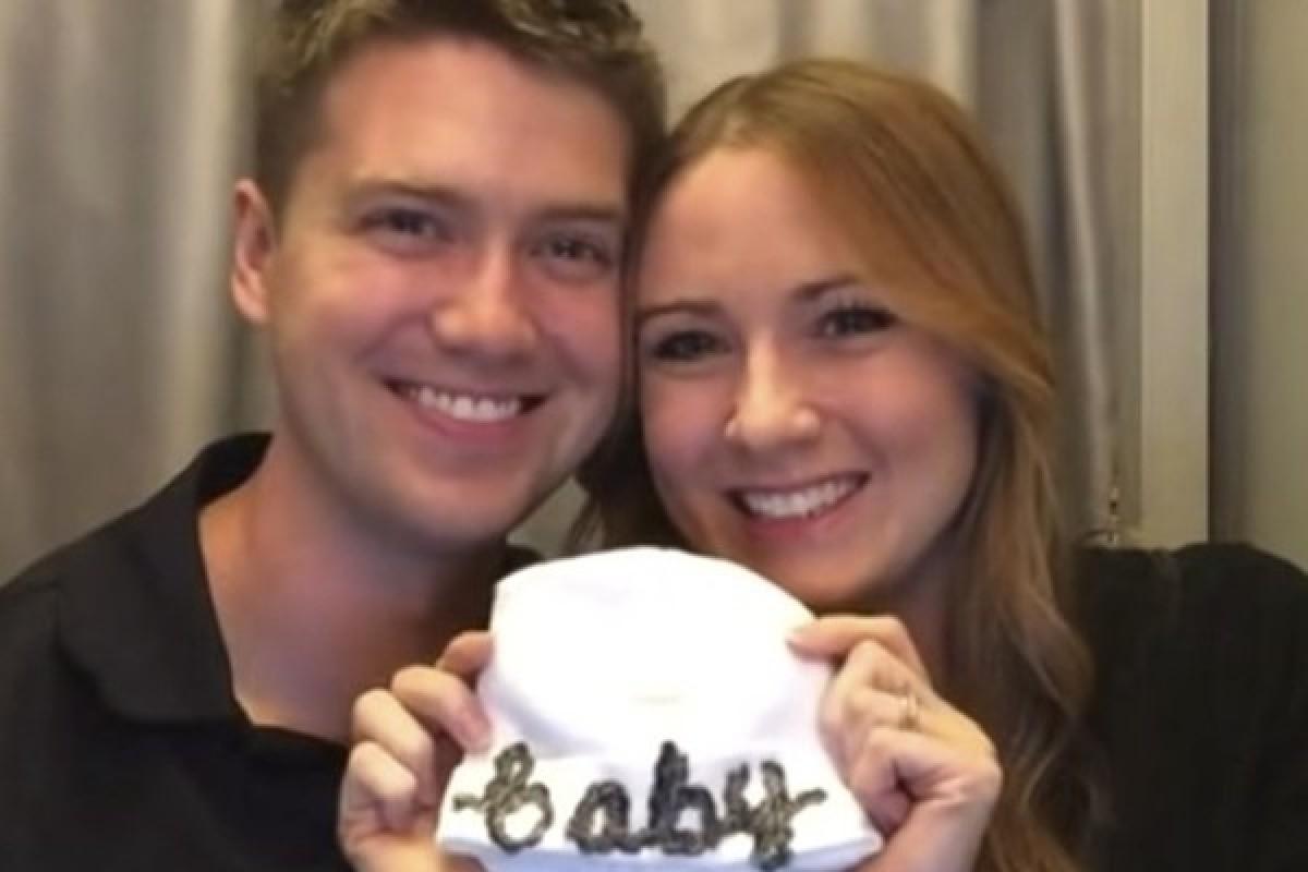 [Βίντεο] Δείτε πώς ανακοίνωσε στον σύντροφό της ότι περιμένουν μωράκι
