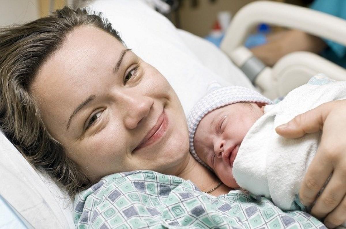 Γιατί δεν μου είπε κανείς πόσο τέλεια θα ήταν η μητρότητα;