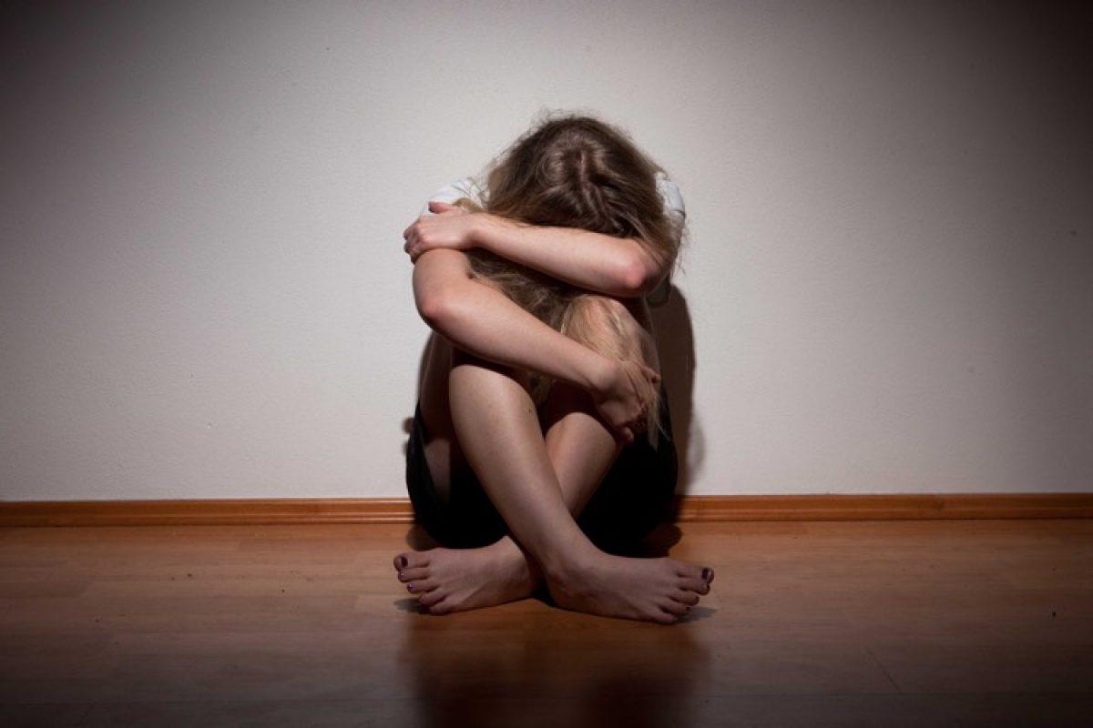 O ξάδερφός μου με παρενοχλούσε σεξουαλικά και η μαμά μου απαιτούσε την σιωπή μου…
