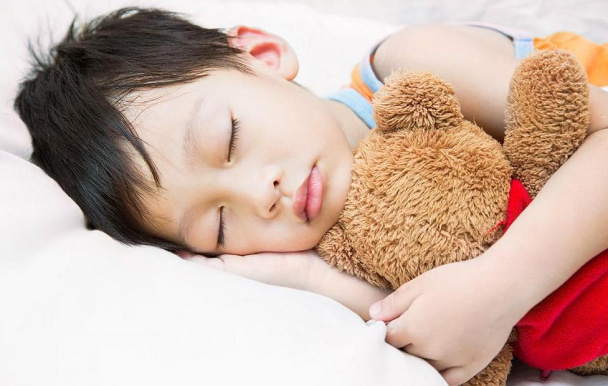 Μήπως να κόψετε τους ενδιάμεσους υπνάκους στο 2χρονο σας; «Ναι», λέει νέα έρευνα.