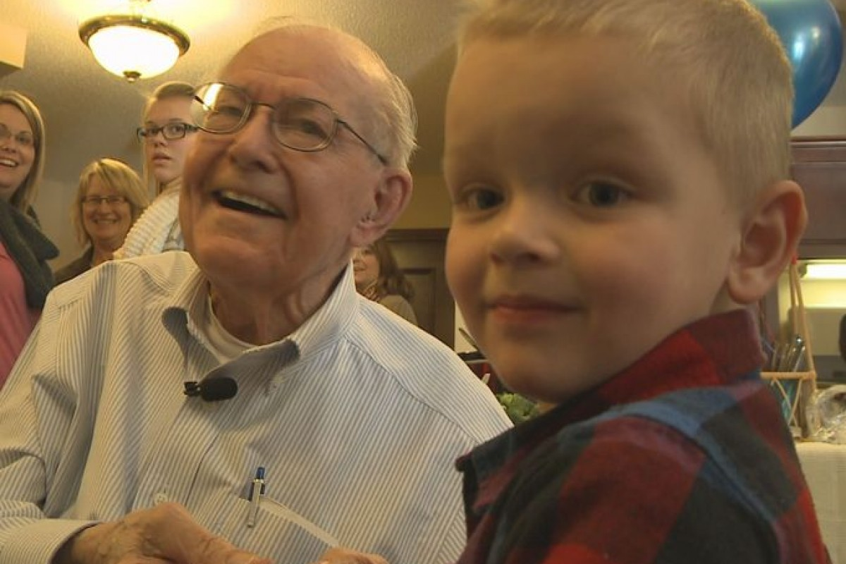 Γνωρίστε τον καλύτερο φίλο του 4χρονου Emmett: Τον 90χρονο Erling!