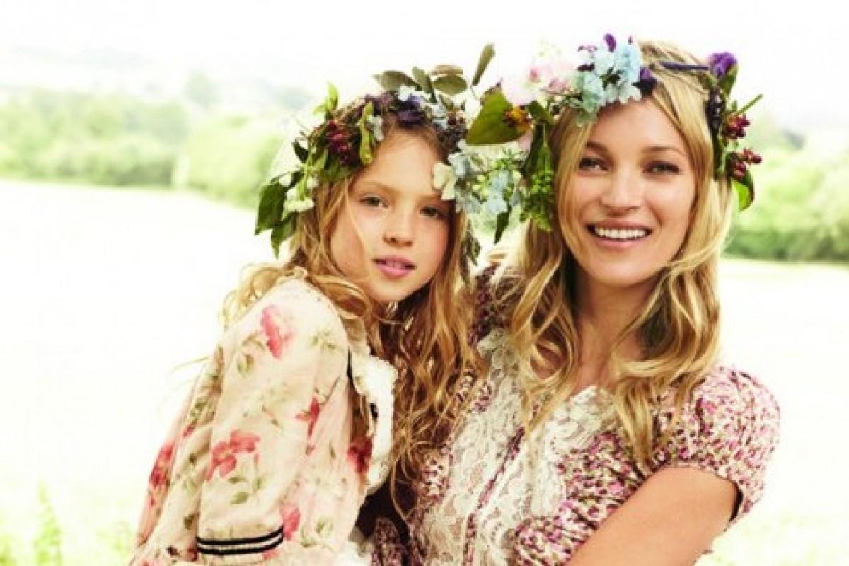 19 μοντέλα φωτογραφίζονται με τα παιδιά τους