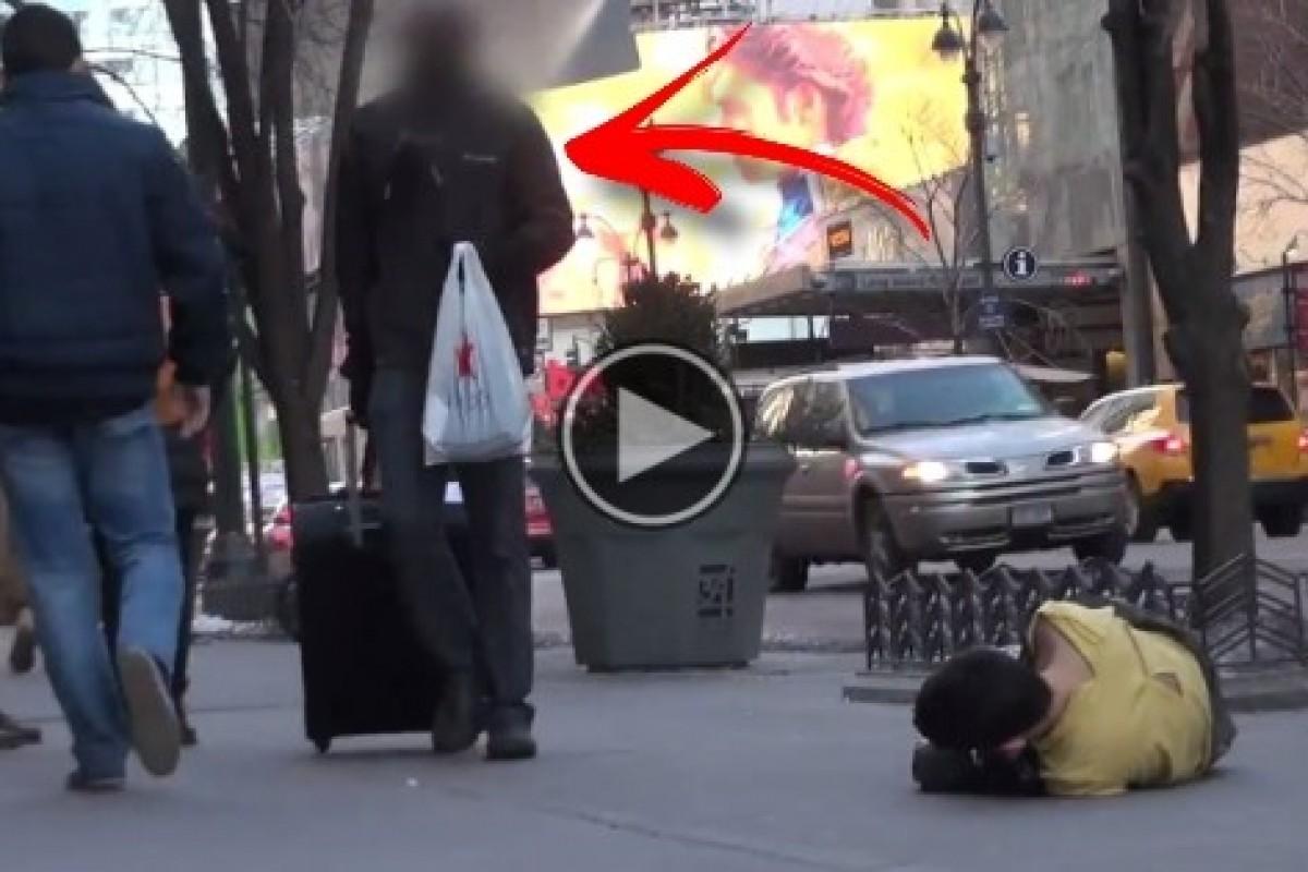 Δείτε ποιος σπεύδει να βοηθήσει πρώτος ένα άστεγο παιδί που όλοι προσπερνούν και αφήνουν να κρυώνει