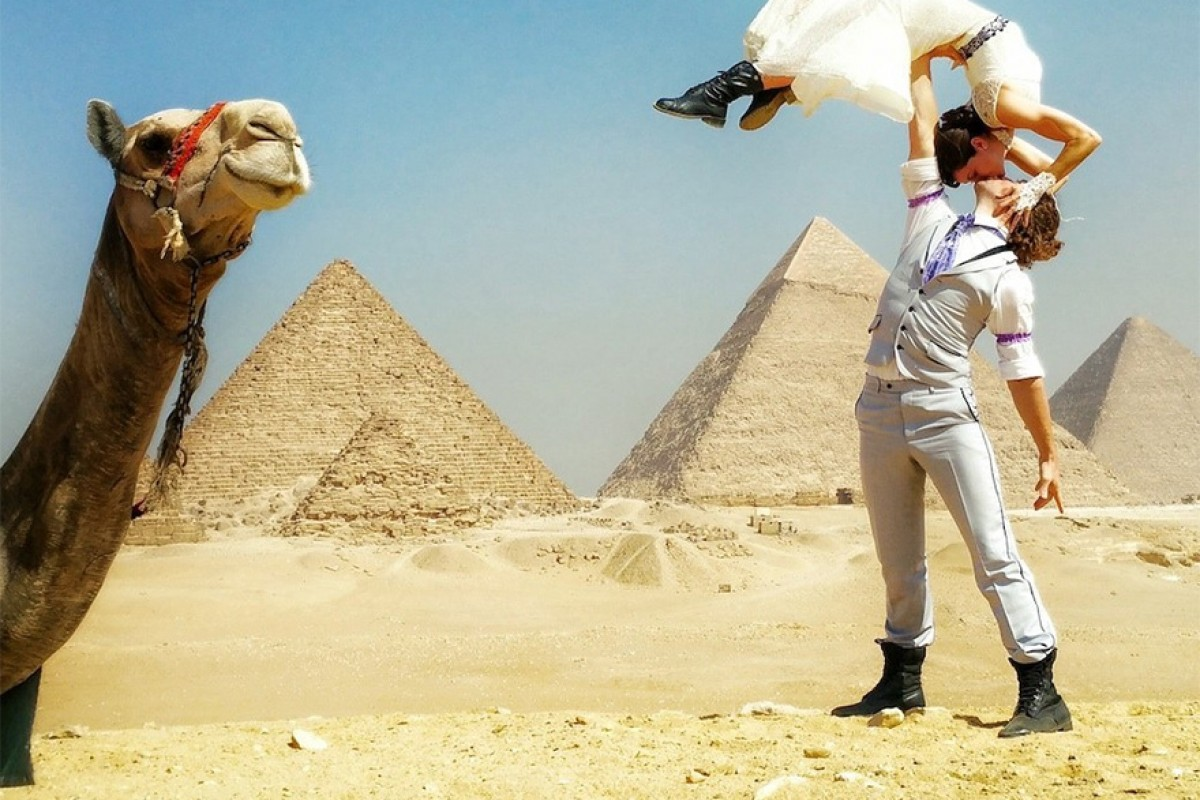 Ζευγάρι ακροβατών αποφασίζει να παντρευτεί σε 38 μέρη του κόσμου μέσα σε 83 ημέρες