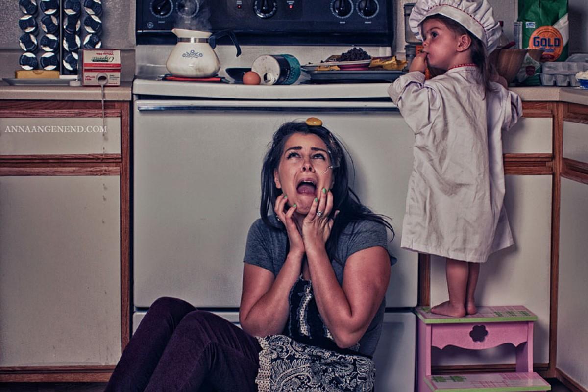 «Τι τραβάνε κι αυτές οι μαμάδες στο σπίτι!» μέσα από ξεκαρδιστικές φωτογραφίες