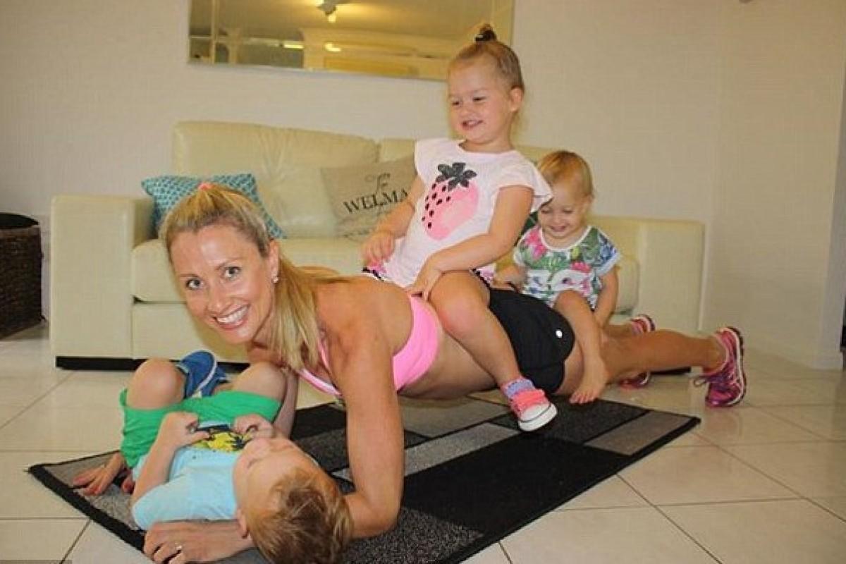 Μια μαμά που ξέρει πολύ καλά πώς να ισορροπεί τα βάρη της μητρότητας