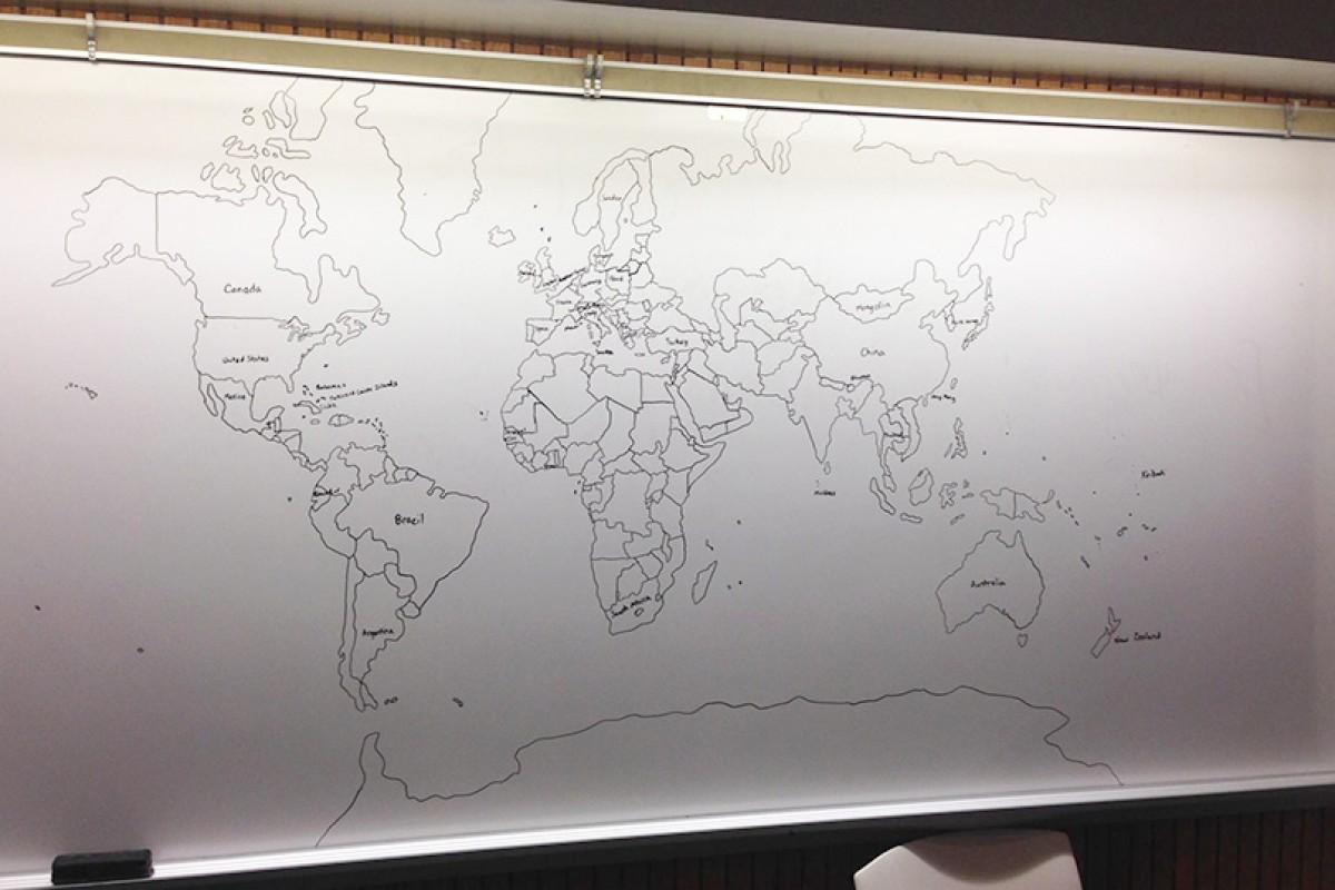 11χρονο αγόρι με αυτισμό σχεδιάζει ολόκληρο τον παγκόσμιο χάρτη από μνήμης