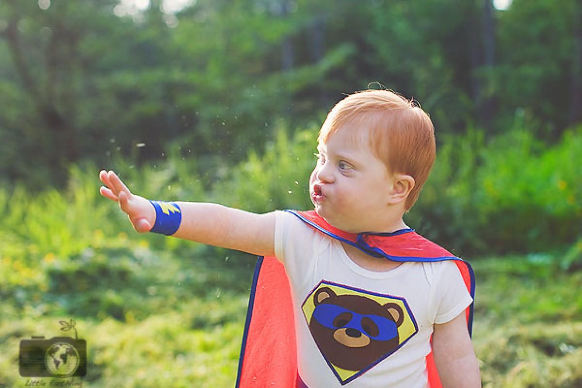 Παιδάκια με ειδικές ανάγκες φωτογραφίζονται ως υπερήρωες