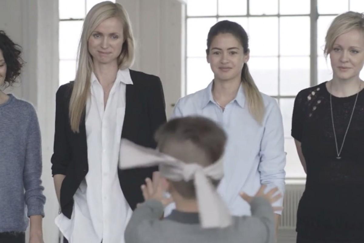 Άραγε θα βρει τη δική του μαμά με κλειστά μάτια; Δείτε αυτό το συγκινητικό βίντεο