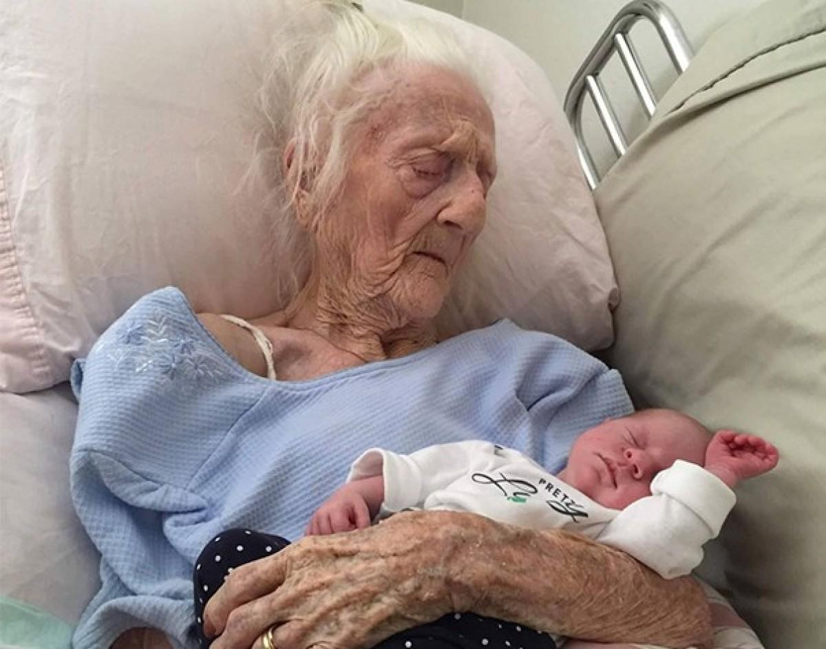 Γιαγιά 101 ετών γνώρισε το δισέγγονό της λίγες μέρες πριν πεθάνει