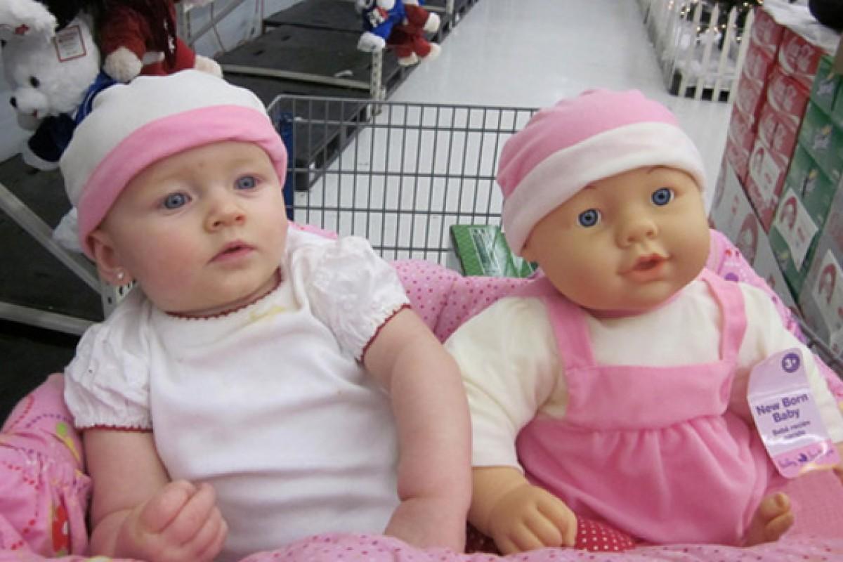 20 μωράκια φωτογραφίζονται και είναι φτυστά οι κούκλες τους
