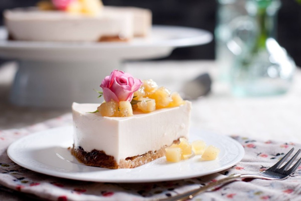 Cheesecake ψυγείου με γλυκό τριαντάφυλλο!