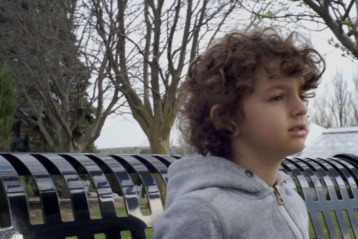 Φτιάξτε τη μέρα σας με το τραγούδι ενός 7χρονου σουπερστάρ