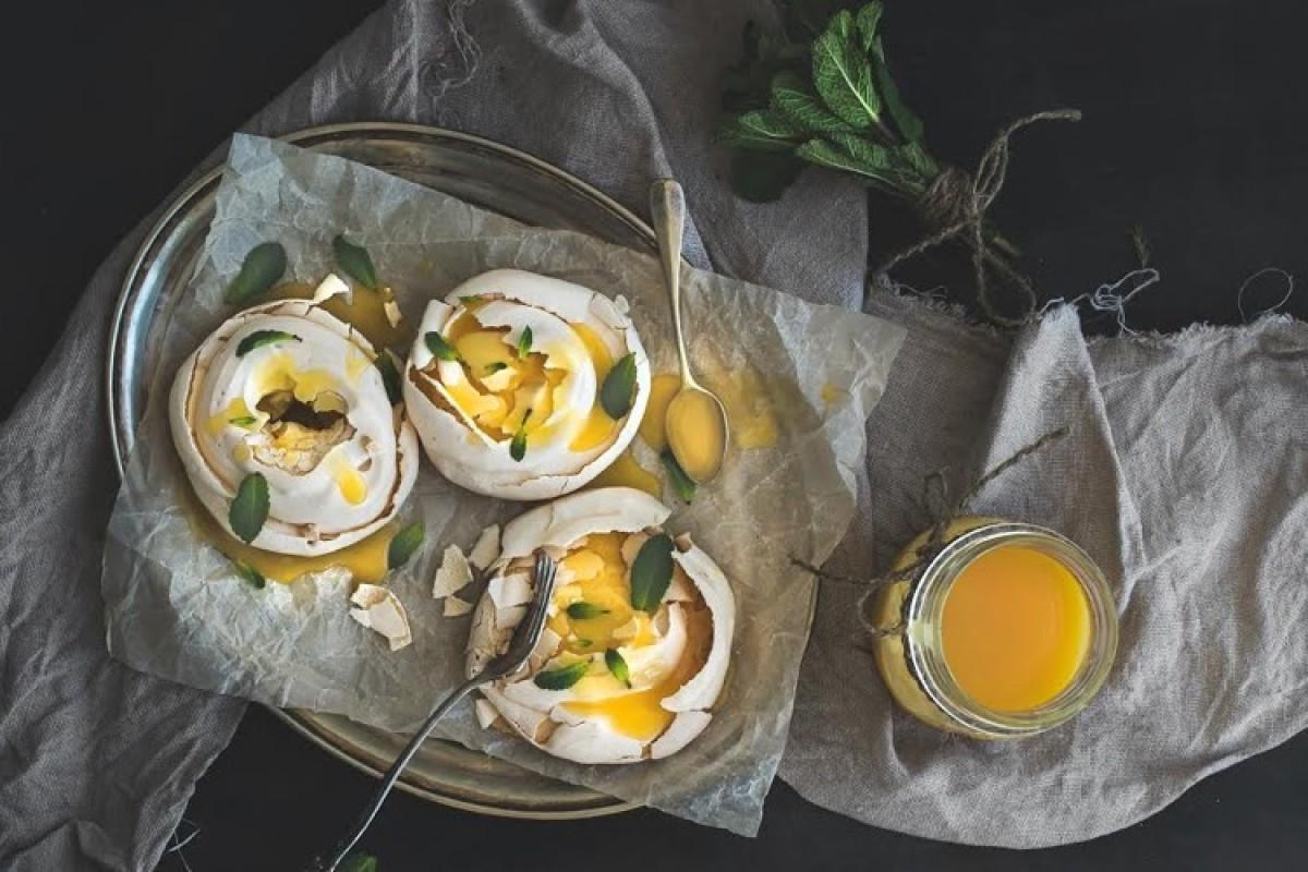 Μαρέγκες με κρέμα λεμονιού