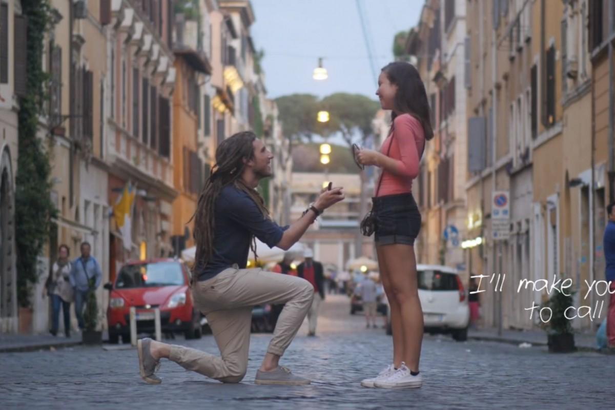 Δεν πρόλαβε να τη ζητήσει σε γάμο από τον πατέρα της. Δείτε τι έκανε και συγκίνησε όλο τον κόσμο.