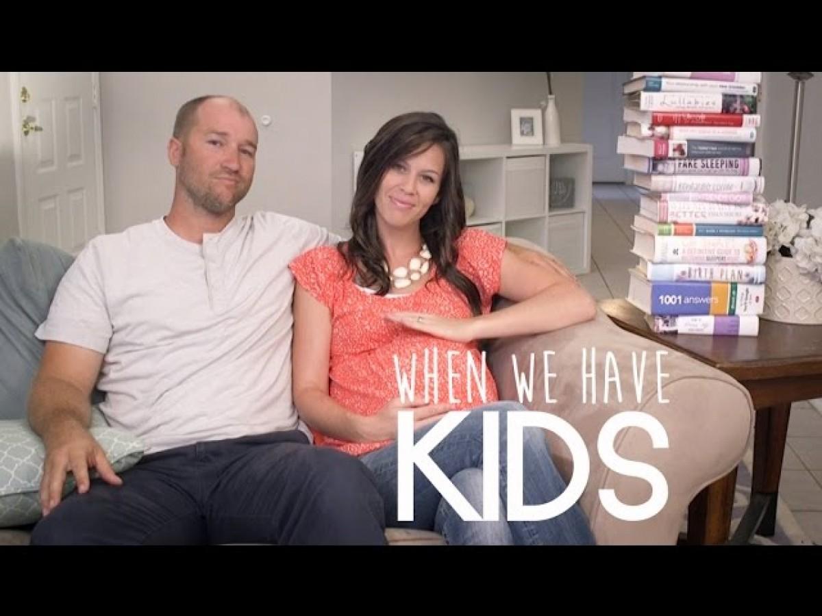 [Βίντεο] Αυτοί οι γονείς φαίνεται να ξέρουν τα πάντα για ένα μωρό… προτού γεννηθεί