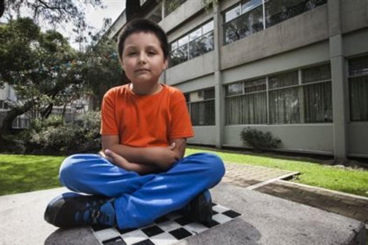 Κάρλος Σανταμαρία: Φοιτητής, ετών 9