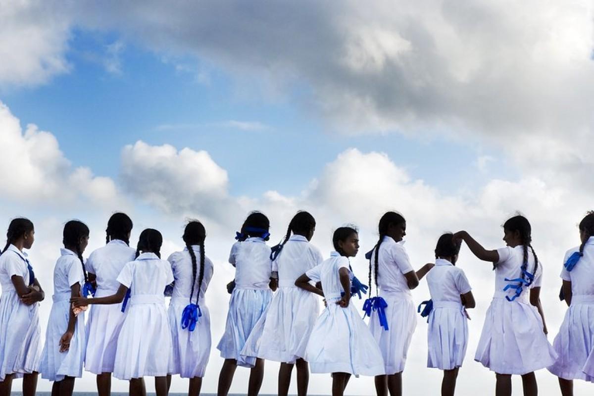 Τι φοράνε στο σχολείο οι μαθητές του κόσμου;