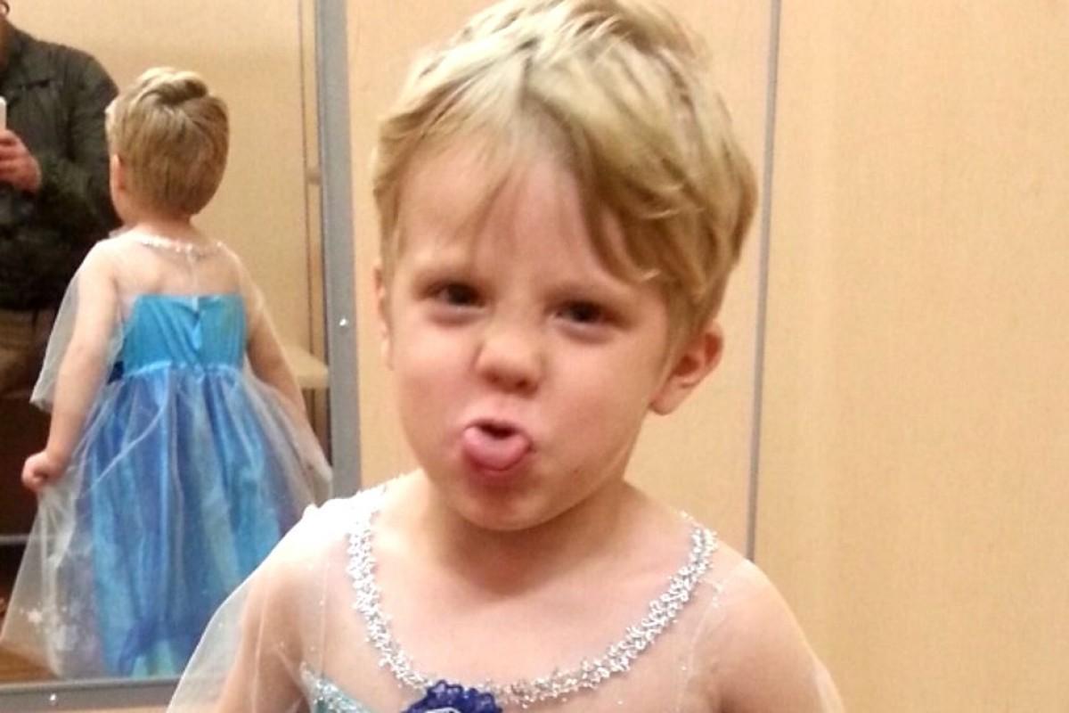 «Ο γιος μου ήθελε να ντυθεί Έλσα για το Χαλογουήν»