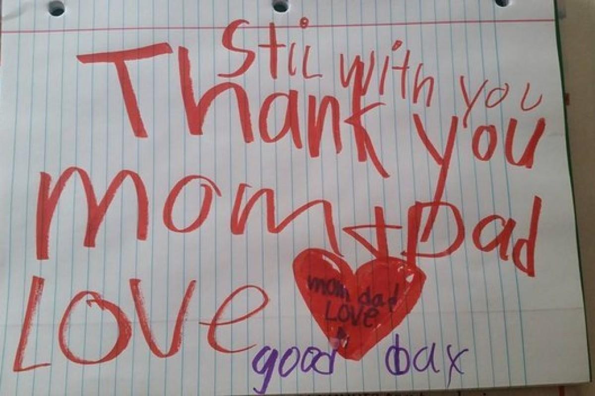 «Είμαι ακόμη εδώ»: Μαμά βρίσκει το συγκινητικό μήνυμα που άφησε πίσω ο γιος της που έφυγε από τη ζωή