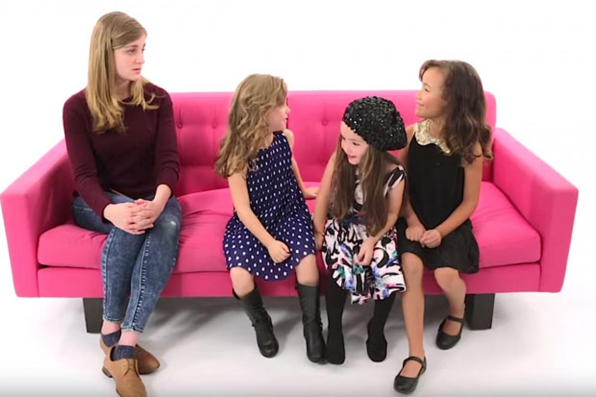 Τρια νήπια προσφέρουν συμβουλές σχέσεων σε νεαρές γυναίκες