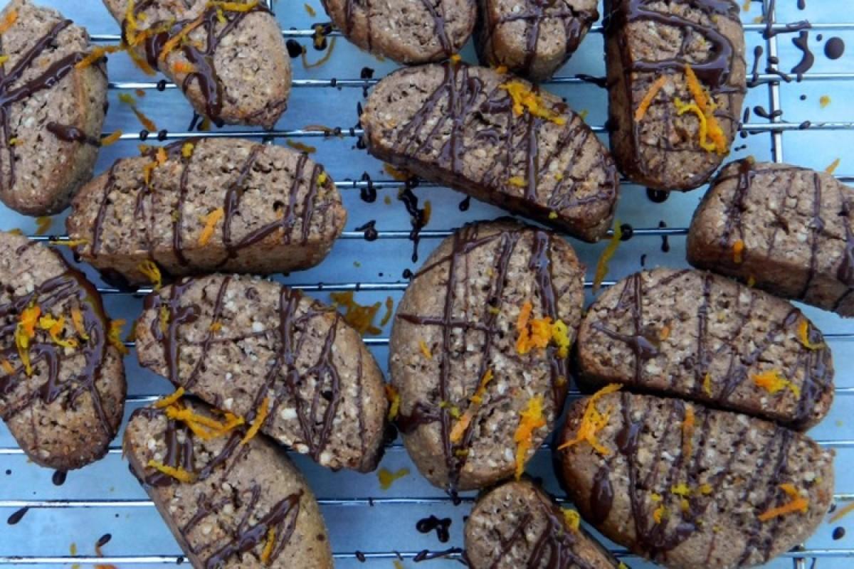 Μπισκότα με πορτοκάλι και αμύγδαλο
