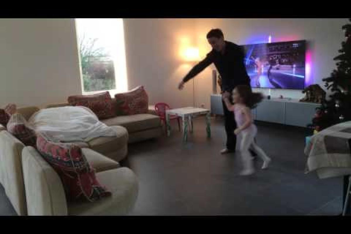 Μπαμπάς και κόρη χορεύουν με τους αστέρες!