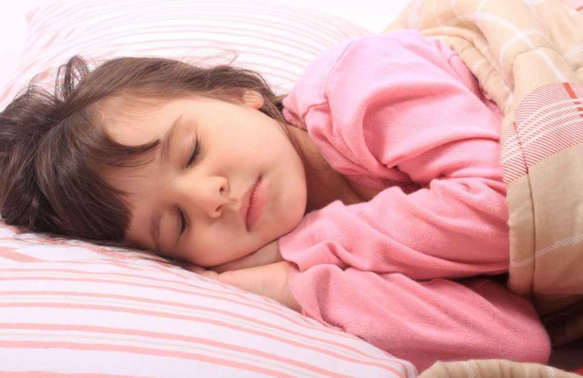 Πώς θα την πείσω να κοιμάται μόνη της στο κρεβάτι της;