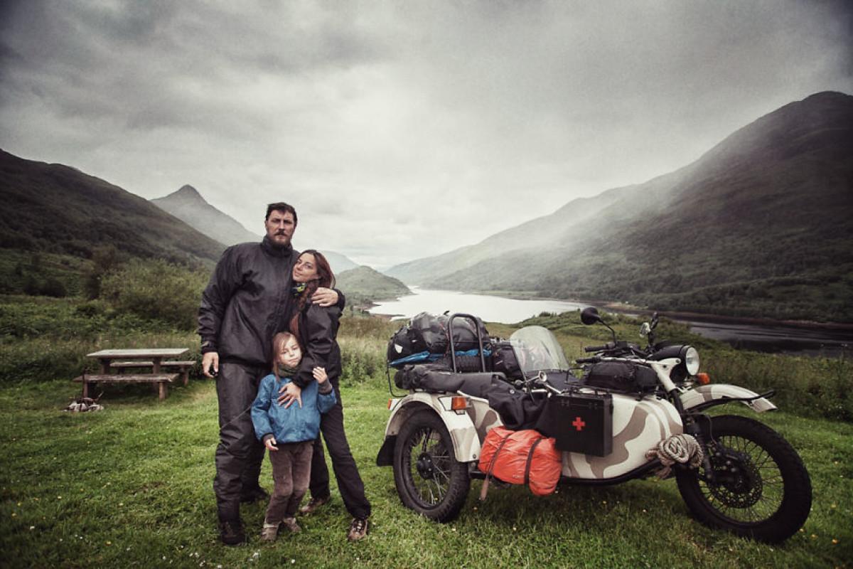 Ταξίδεψαν 28.000 χλμ με μηχανή μαζί με τον 4χρονο γιο τους για να του δείξουν τον κόσμο