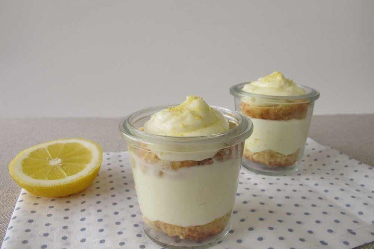 Εύκολη κρέμα λεμονιού με τραγανά μπισκότα