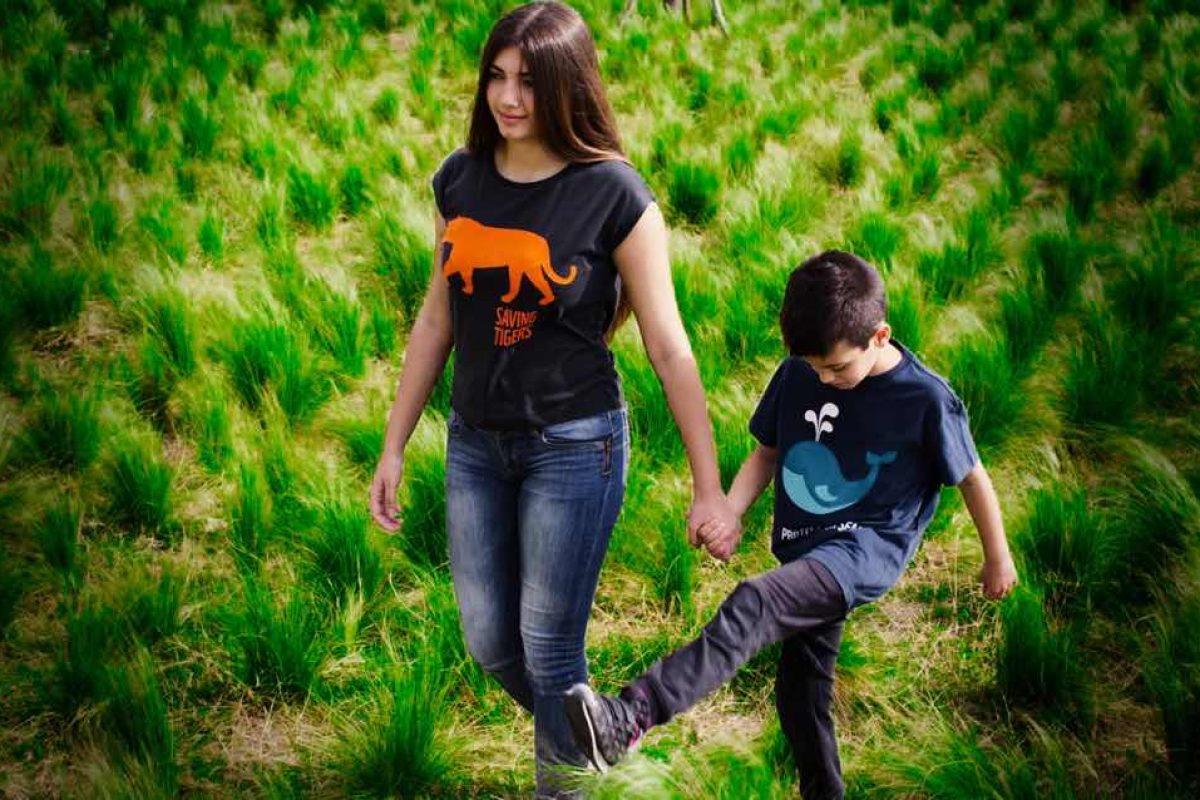 Στηρίξτε το έργο της WWF με υπέροχα οργανικά t-shirts για όλη την οικογένεια!