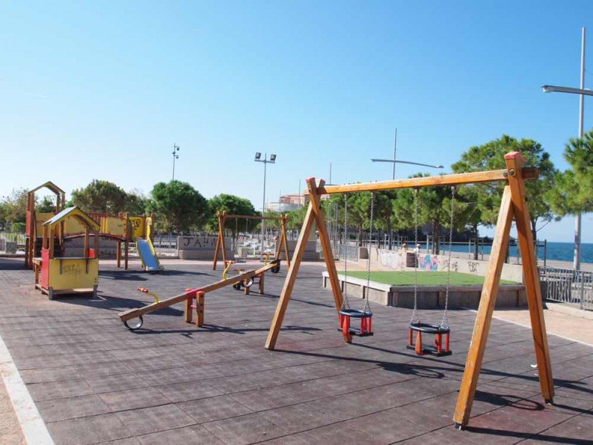 Θεσσαλονίκη: Παιδικές χαρές με… βούλα!