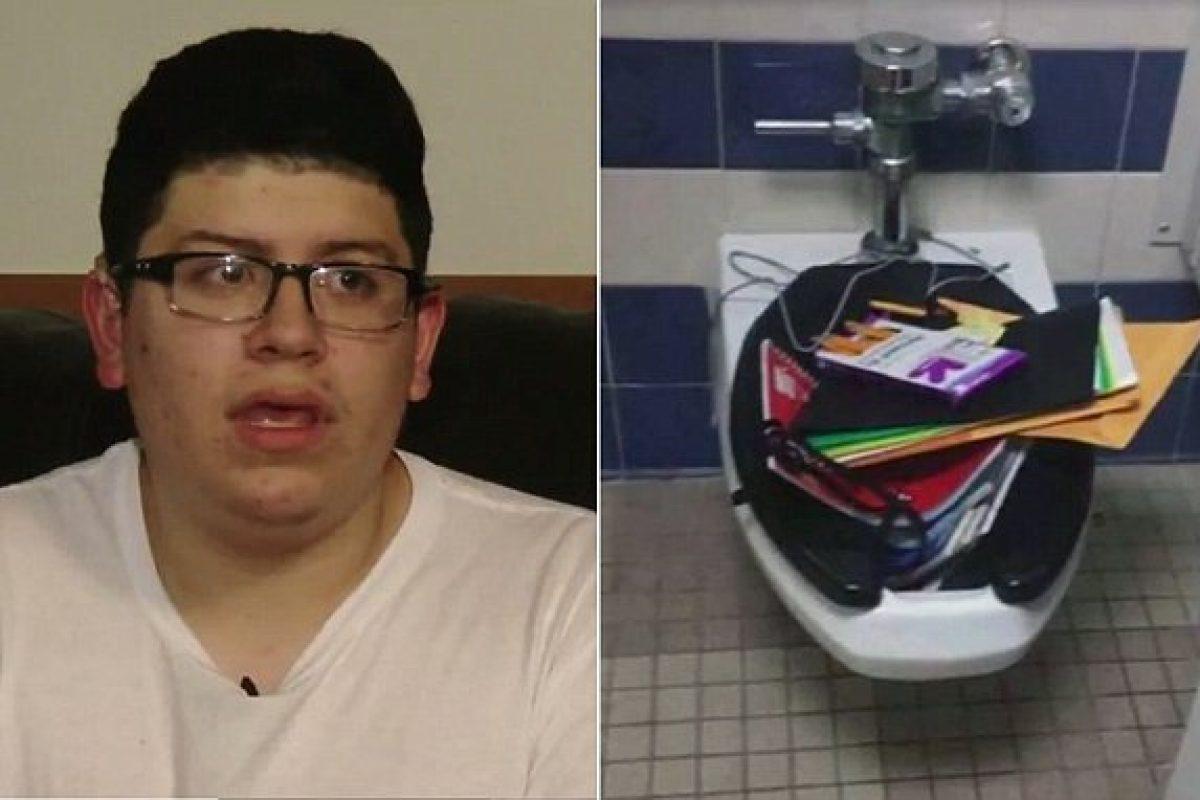 Νταήδες πέταξαν τα βιβλία του κουφού συμμαθητή τους στην τουαλέτα του σχολείου