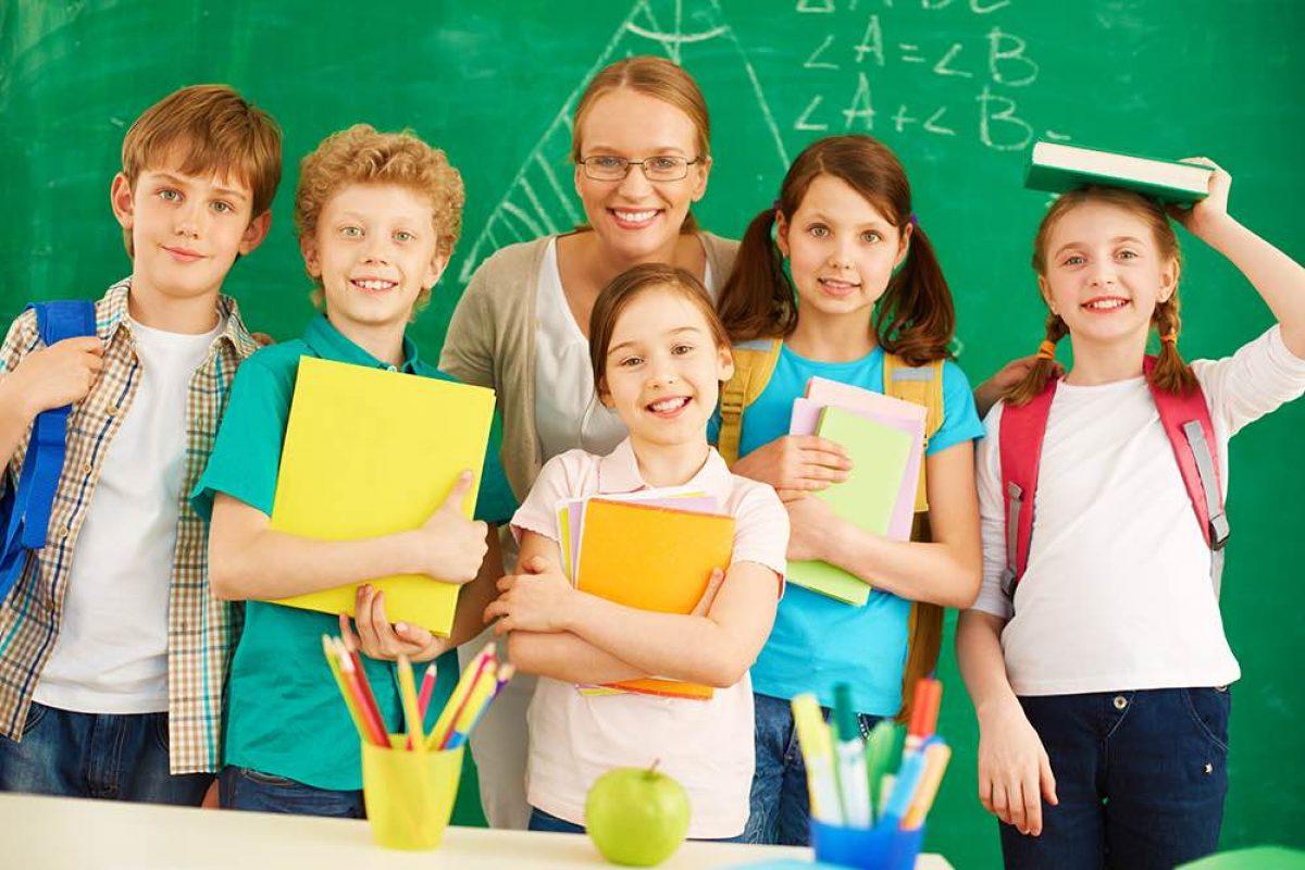 Το σχολείο εκτός από γράμματα κι αριθμούς, διδάσκει ήθη κι αξίες!