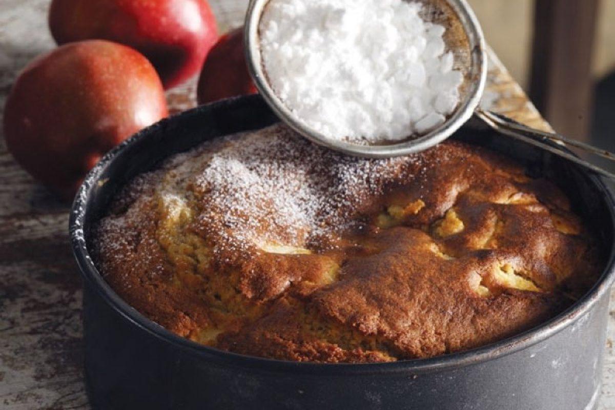 Αφράτη και εύκολη μηλόπιτα