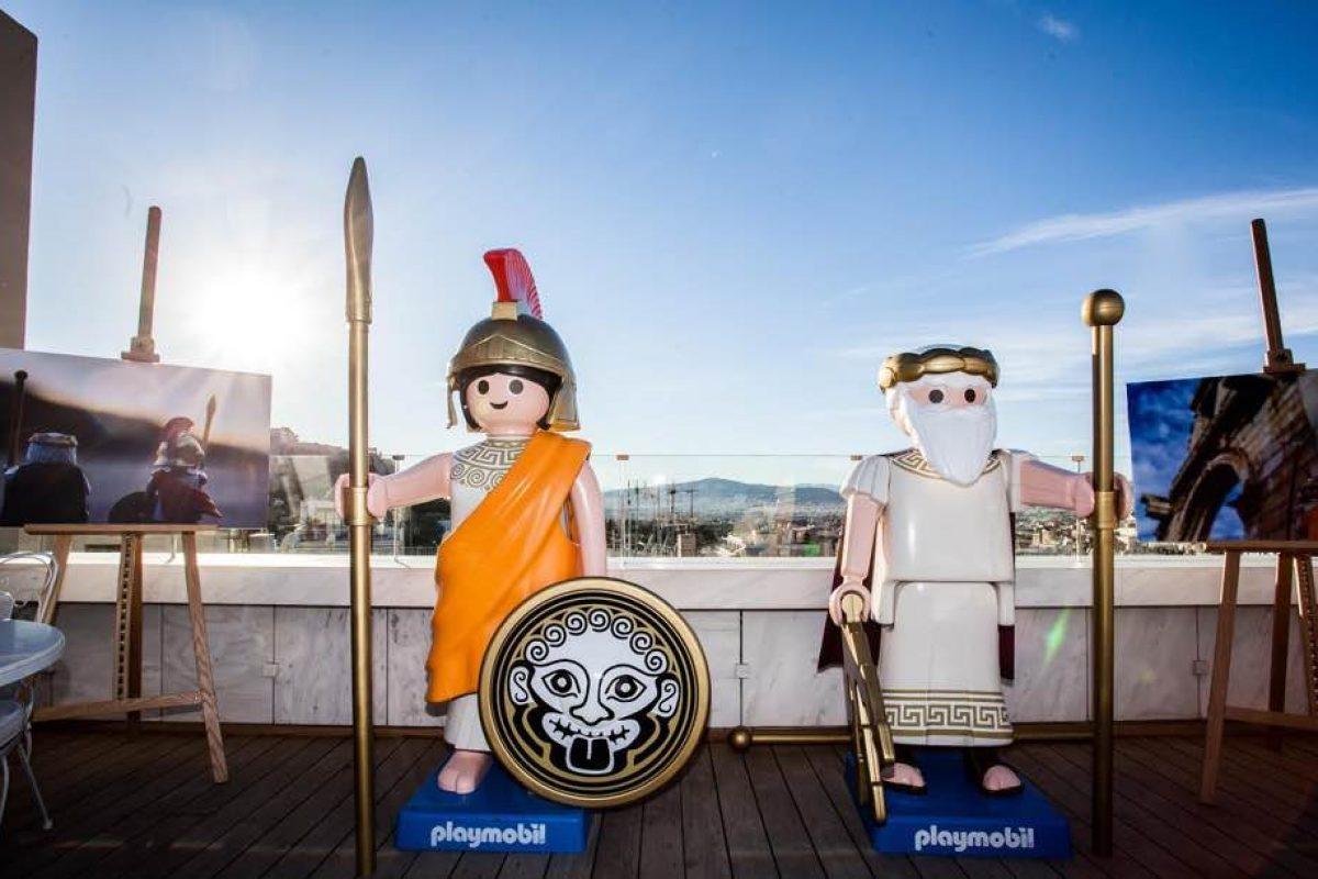 Κυκλοφόρησαν οι πρώτες ελληνικές φιγούρες PLAYMOBIL -και είναι για καλό σκοπό!