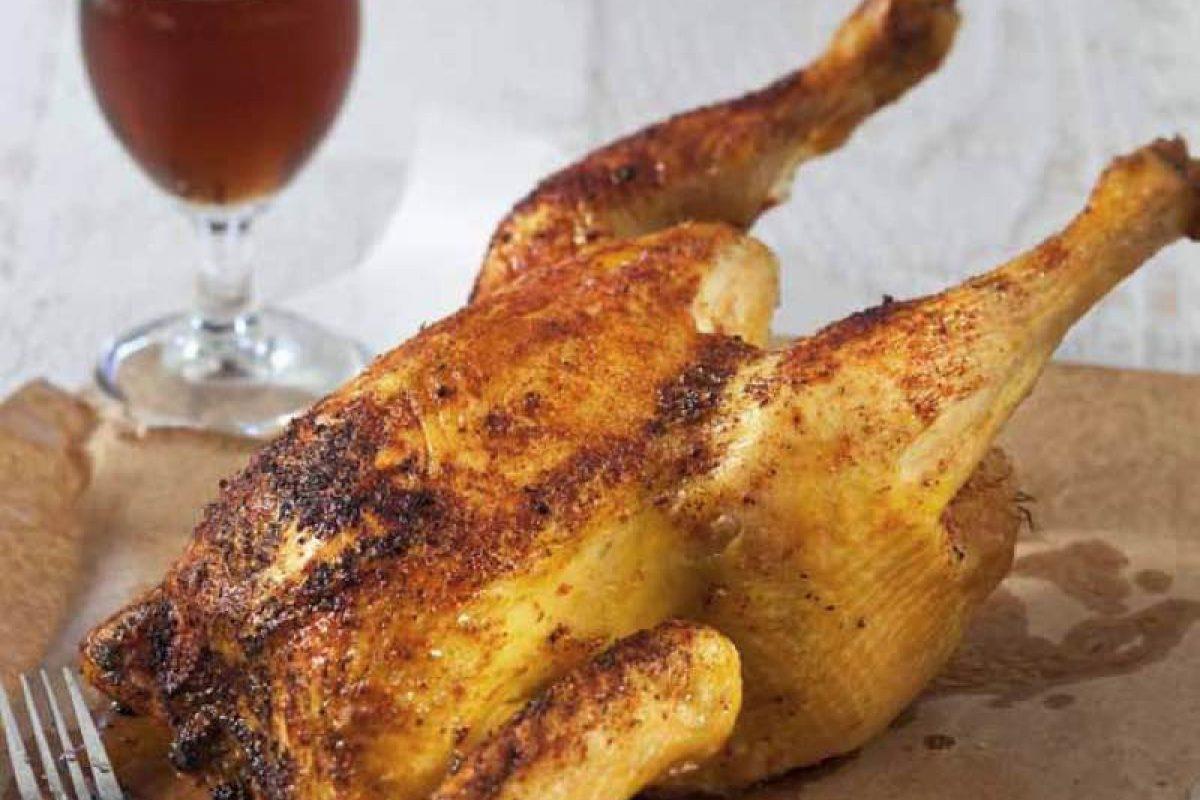 Κοτόπουλο καπνιστό σε κουτάκι μπύρας