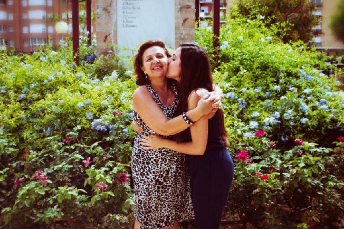 Μεγαλώνοντας η μάνα σου γίνεται φίλη σου