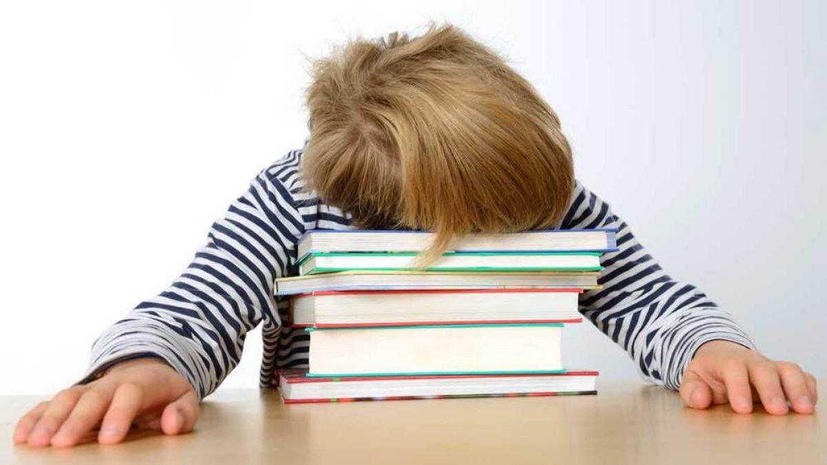 Μελέτη στο σπίτι: είναι όντως απαραίτητη; - Eimaimama.gr
