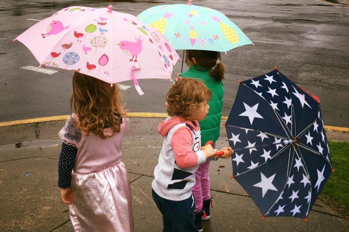 Penny Scallan: Με τέτοια γλυκά αξεσουάρ, ποιος φοβάται τη βροχή;