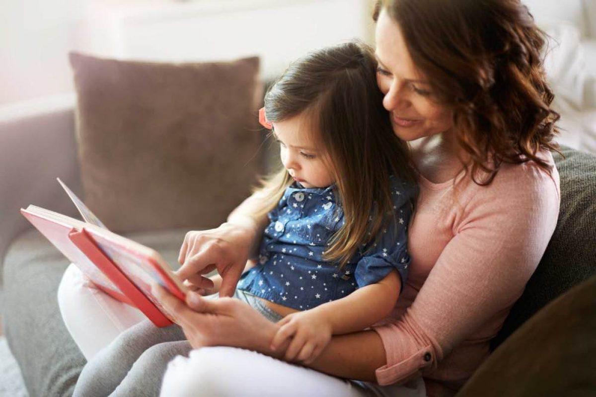 Γιατί το να διαβάζετε ξανά και ξανά το ίδιο βιβλίο είναι καλό για τα παιδιά