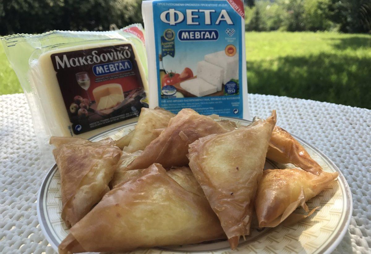 Μπουρεκάκια τυριού της γιαγιάς Τασούλας