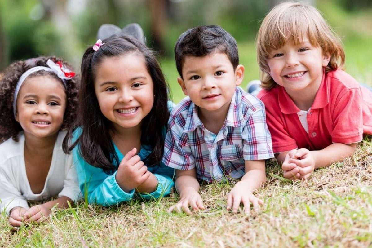 4 εχέγγυα για μια ευτυχισμένη παιδική ηλικία