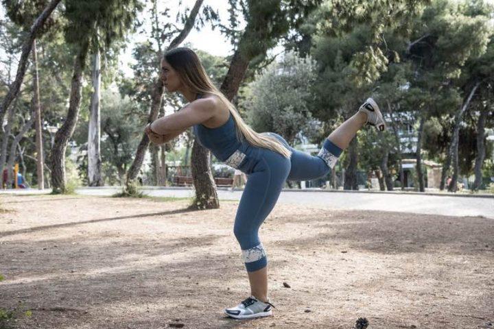 Ασκήσεις για γλουτούς και πόδια που μπορείτε να κάνετε όπου και αν βρίσκεστε