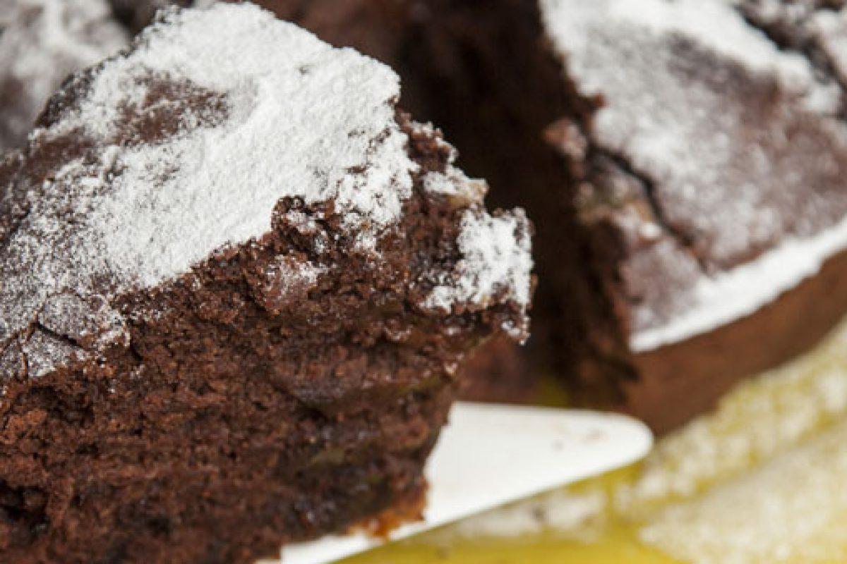 Νηστίσιμη σοκολατόπιτα με ταχίνι