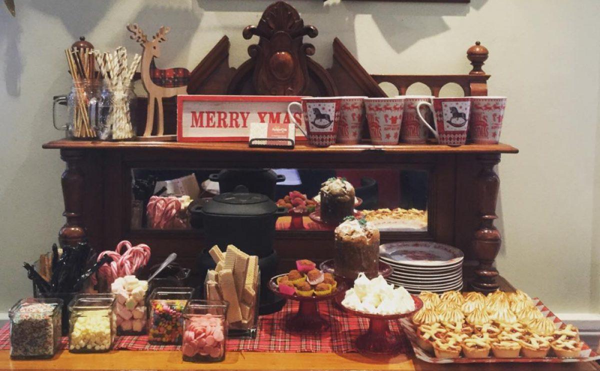 Φτιάξτε ένα Χριστουγεννιατικο Hot Chocolate Bar!