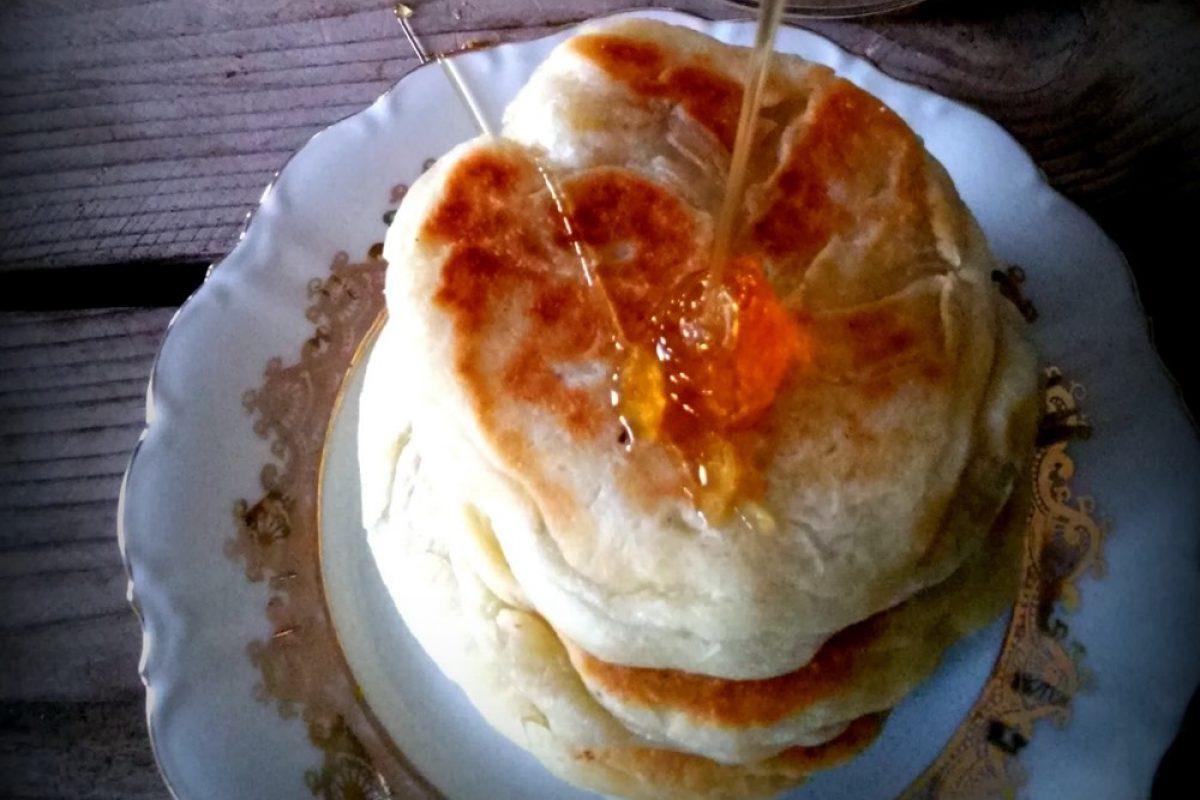 Κανελομελένια ζυμαράκια με ανθότυρο