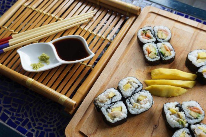 Πώς να φτιάξετε σούσι στο σπίτι